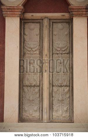 window temple