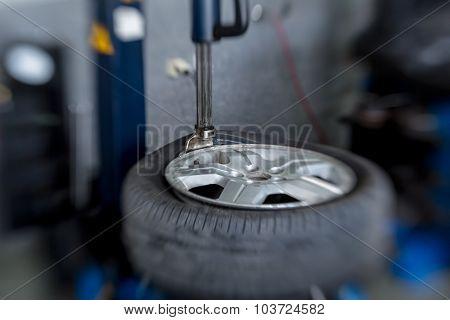 modern tire machine in the service
