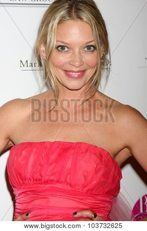 LOS ANGELES - OCT 4:  Amanda Detmer at the Best In Drag Show at the Orpheum Theatre on October 4, 2015 in Los Angeles, CA