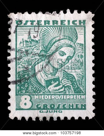 AUSTRIA - CIRCA 1934: A stamp printed by AUSTRIA shows Woman from Lower Austria (Niederosterreich), Traditional folk costume, circa 1934.