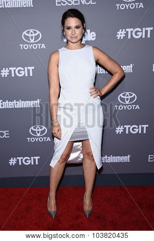 LOS ANGELES - SEP 26:  Katie Lowes arrives to the TGIT Premiere Red Carpet Event  on September 26, 2015 in Hollywood, CA.