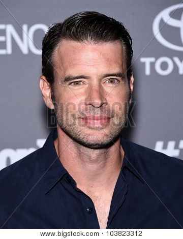LOS ANGELES - SEP 26:  Scott Foley arrives to the TGIT Premiere Red Carpet Event  on September 26, 2015 in Hollywood, CA.