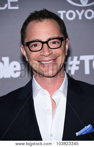 LOS ANGELES - SEP 26:  Joshua Malina arrives to the TGIT Premiere Red Carpet Event  on September 26, 2015 in Hollywood, CA.