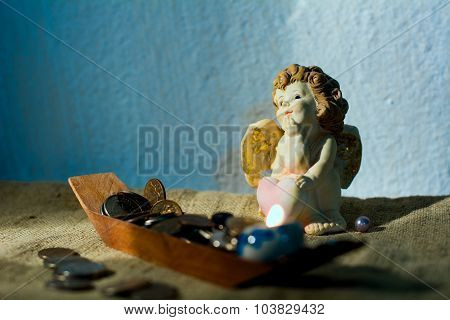 Figurine Little Angel With A Heart Who Dreams Of Burning Candle