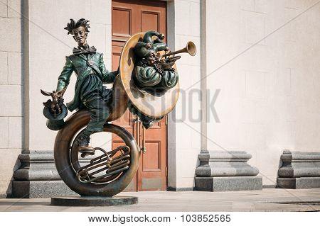 Clown Acrobat sculpture near Belarusian State Circus  in Minsk,