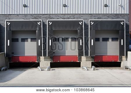 Warehouse loading dock