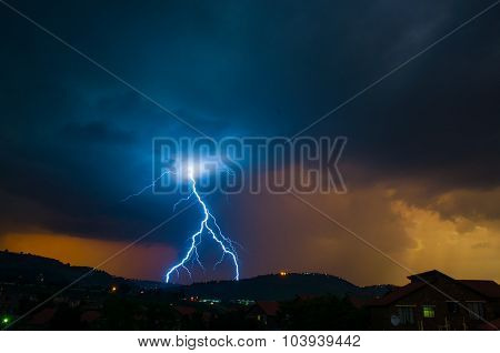 Intervert Y Lightning