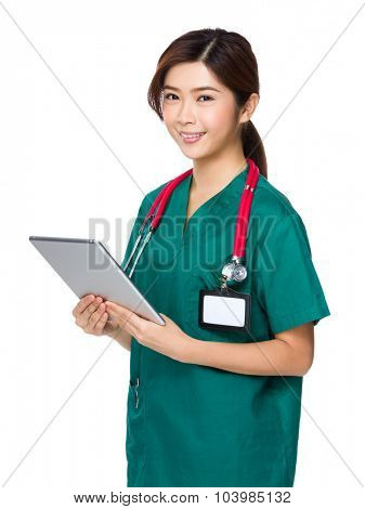 Doctor woman use of the tablet pc