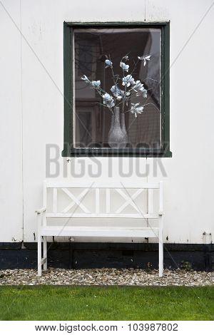 Idyllic White Garden Seat