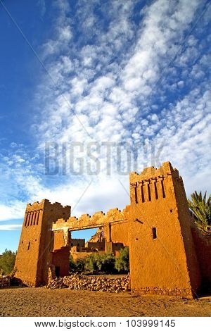 Africa  In   Construction  And The Blue Cloudy  Sky