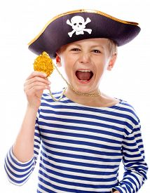 picture of pirates  - Close up portrait of angry pirate shouting - JPG