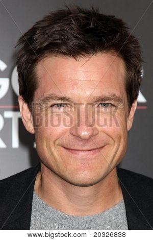 LOS ANGELES - MAY 19:  Jason Bateman arriving at the