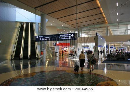 繁忙的国际机场在美国