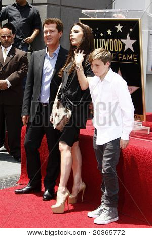 LOS ANGELES - MAY 23:  Simon Fuller, Victoria Beckham, Brooklyn Beckham at the Simon Fuller Hollywood Walk Of Fame Star Ceremony at W Hotel - Hollywood on May 23, 2011 in Los Angeles, CA