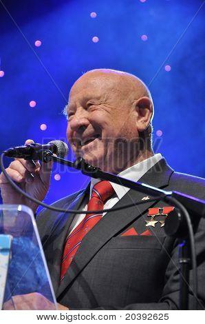 ?osmonaut Alexey Leonov