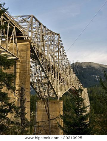 Bridge of the Gods Stevenson, Washington, to Cascade Locks, Oregon