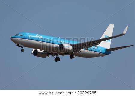 BUDAPEST, HUNGARY - OCTOBER 02: KLM airliner on final approach at Budapest (LHBP), October 2, 2011 in Budapest, Hungary. KLM Royal Dutch Airlines is the flag carrier airline of the Netherlands.
