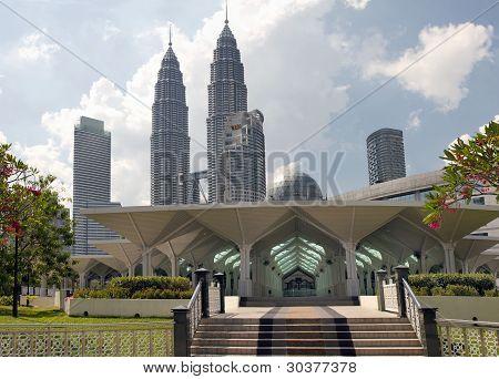 Masjid Asy-syakirin Muslim Mosque In Kuala Lumpur City Center Park