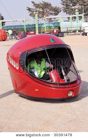 Helmet car-wacky cars