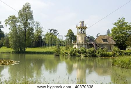 der Marlborough-Turm in der Queen der Weiler (Hameau De La Reine) in Versailles.
