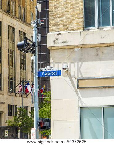 Streetsign Capitol Street In Skyline District In Houston