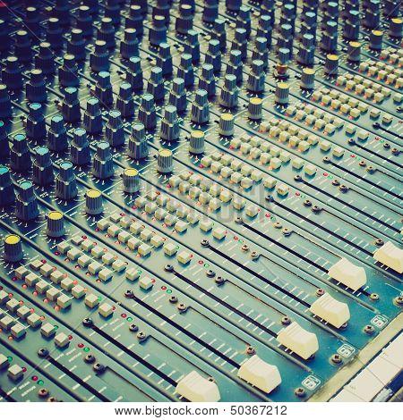 Retro Look Soundboard