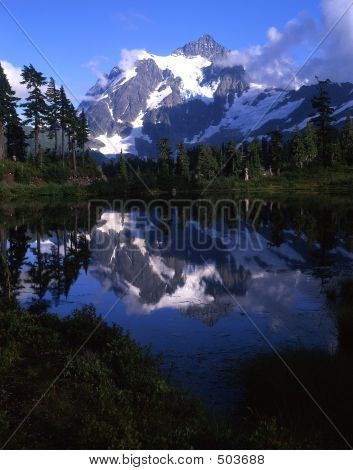 Mount Shuksan & Picture Lake (vertical)