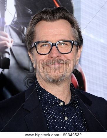 LOS ANGELES - FEB 10:  Gary Oldman arrives to the