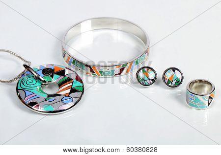Costume jewellery. Pendant, bracelet, earrings and ring