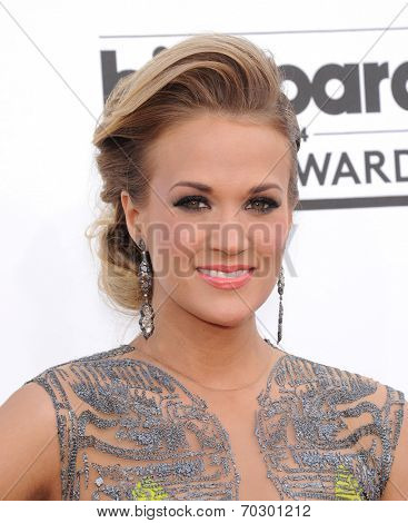 LAS VEGAS - MAY 18:  Carrie Underwood arrives to the Billboard Music Awards 2014  on May 18, 2014 in Las Vegas, NV.
