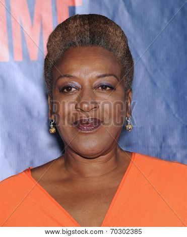 LOS ANGELES - JUL 17:  CCH Pounder arrives to the CBS-CW-Showtime Summer TCA Press Tour 2014  on July7, 2014 in West Hollywood, CA.