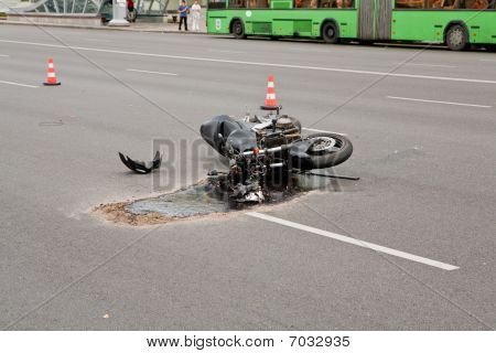 vehicle accident on a busy city street