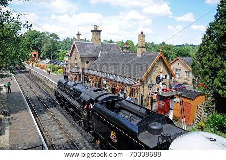 Steam train in Arley railway station.