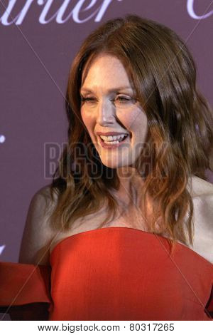 PALM SPRINGS, CA - JAN 3: Julianne Moore arrives at the 2015 Palm Springs Film Festival Awards Gala at the Palm Springs Convention Center on January 3, 2015 in Palm Springs, CA.