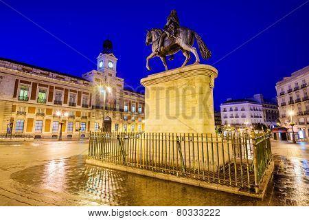 Madrid, Spain dawn scene at Puerta del Sol.