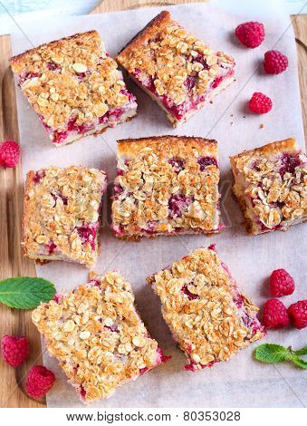 Raspberry Crumble Cake