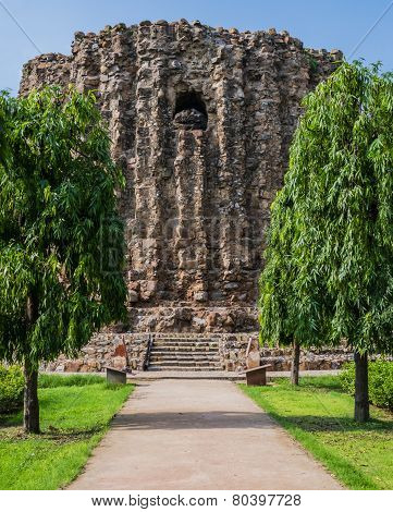 Alai Minar, the unfinished brick minaret of Qutb complex, Delhi, India