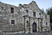 foto of texans  - The Alamo in down town San Antonio Texas - JPG