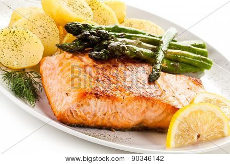Grilled salmon boiled potatoes and asparagus