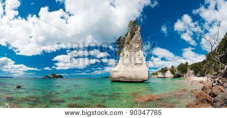 Beautiful Te Hoho Rock at Cathedral Cove Marine Reserve, Coromandel Peninsula, New Zealand. Panoramic photo,