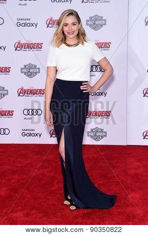 LOS ANGELES - APR 14:  Elizabeth Olsen arrives to the Marvel's