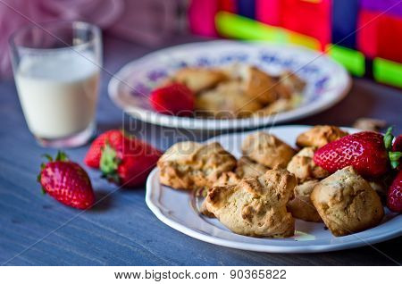 Biscuits, Cornflakes, Strawberry And Raisins
