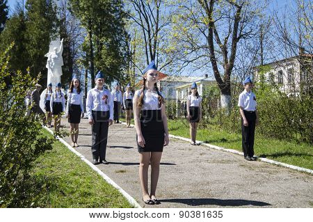 Mstyora,Russia-May 9,2015: Guard Of Honour At Festive Day Of The Victory Beside Monument Warrior
