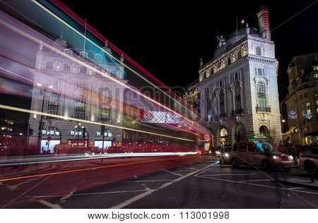 London Piccadilly Circus Square