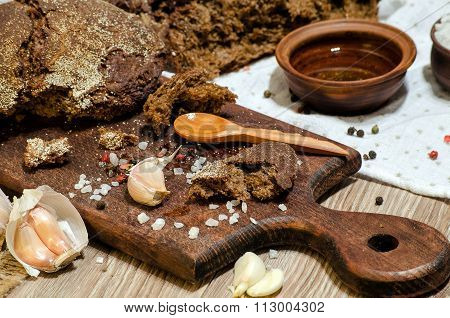 Dark Rye Bread With Olive Oil And Garlic