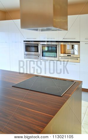 Cooker hood and oven