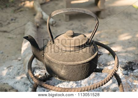 Old kettles were metal on the stove