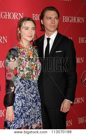 PALM SPRINGS - JAN 2:  Saoirse Ronan, Paul Dano at the 27th Palm Springs International Film Festival Gala at the Convention Center on January 2, 2016 in Palm Springs, CA