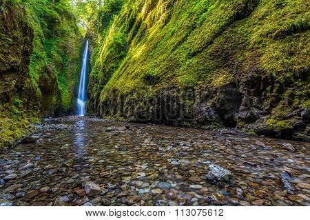 Lower Oneonta Falls In Columbia River Gorge, Oregon