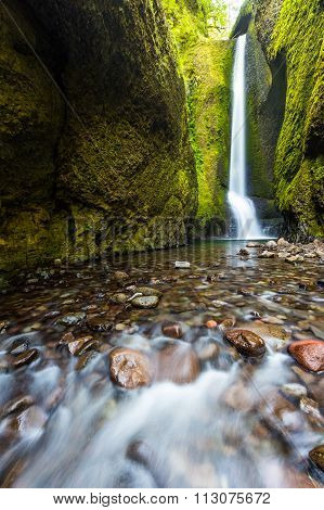 Lower Oneonta Falls In Summer, Columbia River Gorge, Oregon.